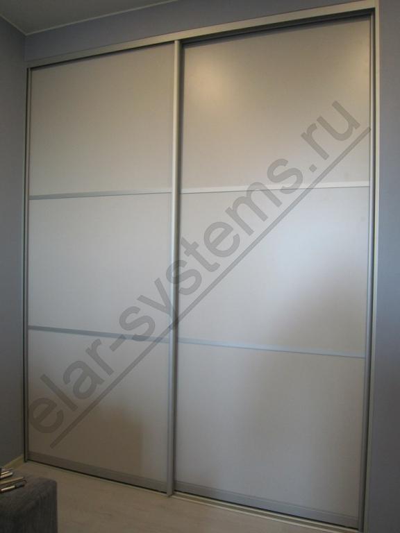 Двери - ARISTO матовый хром/ДСП Egger U708 светло-серый+разделители .